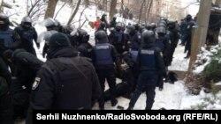 Сутички біля будівлі Солом'янського суду, де обирали запобіжний захід Геннадію Труханову, Київ, 15 лютого 2018 року