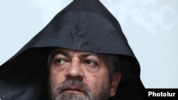 Արարատյան հայրապետական թեմի առաջնորդ Տեր Նավասարդ արքեպիսկոպոս Կճոյան