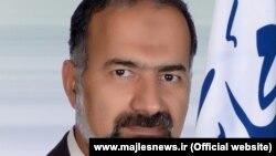 حسین آذین: «برای نظارت بر تماشاگران ایرانی برنامهریزی دقیقی داریم و حتما آن را اعمال خواهیم کرد.»