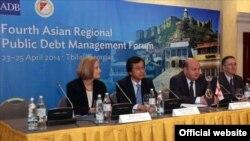 Заявление министра финансов вызвало недоумение у экспертов – ведь в текущем году планируются внешние заимствования на сумму свыше одного миллиарда лари