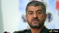فرمانده کل سپاه پاسداران انقلاب اسلامی تهدید کرد که ایران در صورت حمله خارجی، تنگه هرمز را مسدود می کند.(عکس: فارس)
