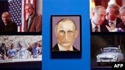 """Портрет Владимира Путина кисти Джорджа Буша-младшего в экспозиции """"Искусство лидерства: личная дипломатия президента"""""""