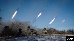 Артилерія бойовиків поблизу Горлівки, 18 лютого 2015 року