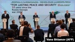 Главы МИД Польши, Литвы и Латвии вместе с вице-премьером Украины приняли участие в мероприятиях, приуроченных к трагической дате начала августовской войны