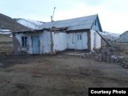 Здание ФАПа в селе Кара-Жылга.