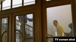 Чехия телеканаллари Ҳусниддин Шодиевнинг қочиш уринишини муҳим янгиликлардан бири сифатида намойиш этишди.