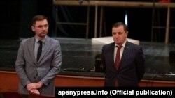 Министр культуры Гудиса Агрба представил Алхаса Чолокуа коллективу театра