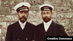 Последний русский царь Николай II и британский король Георг V были родственниками с непохожими судьбами