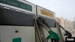 ФАС вновь обещает понизить цены на бензин