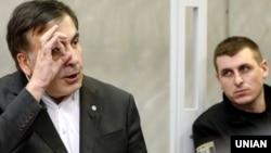 Михаил Саакашвили в зале суда в Киеве, 11 декабря 2017