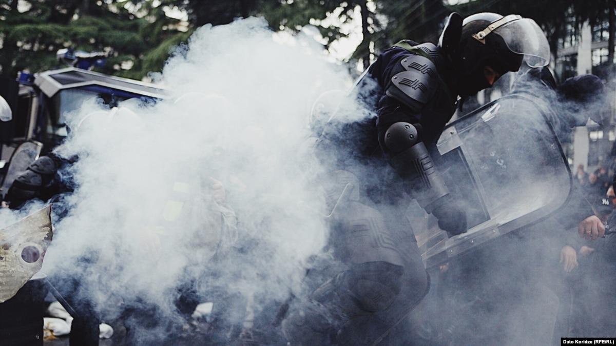Во время разгона митинга в Тбилиси задержали 37 человек, шестеро пострадали – МВД Грузии