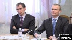 Як виявилося, член цієї робочої групи суддя Роман Бойко ніяк не міг бути в гостях у президентському офісі як її представник