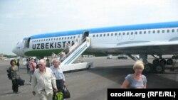 Ўзбекистода ҳатто миллий авиакомпания ҳам Россияга учадиган рейсларга билетларни АҚШ долларида сотади.