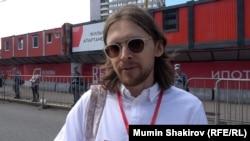 Михаил Светов на проспекте Сахарова