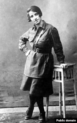 Сакратар Хойніцкага райкама ЛКСМБ Ганна Фралова. 1920-я гг.