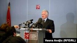 Momčilo Perišić po dolasku u Beograd