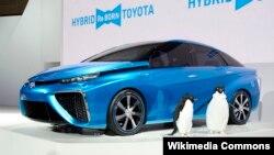 A Toyota hirdogéncellás kocsija, a Mirai, amelyet 2013-ban mutattak be a tokiói autószalonon