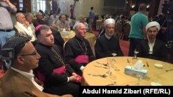 عدد من رجال الدين المدعوين لمادبة الافطار