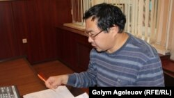 Гражданский активист Ермек Нарымбаев в суде, где рассматривается его апелляция на решение об аресте на 20 суток. Алматы, 3 сентября 2015 года.