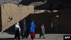 فعالان: حضور کم رنگ زنان در سارنوالیها عامل عمده عدم دسترسی زنان به محاکم است.