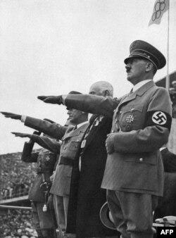 """Müharibədən sonrakı illərdə Musil gündəliyində belə yazırdı: """"Reiting, Beineberg: bugünkü diktatorların toxumları."""""""