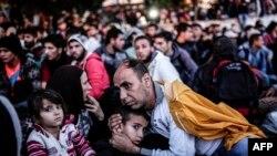 Түркиядағы босқындар лагеріндегі сириялық босқындар. Қыркүйек 2015 жыл.