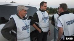 Ուկրաինա - ԵԱՀԿ-ի դիտորդները գերիների փոխանակման ժամանակ, սեպտեմբեր, 2014թ․