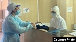 Ақтөбе медицина орталығының қызметкерлері. Көрнекі сурет.