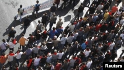 تظاهرات معترضان به سیاستهای اقتصادی دولت یونان در آتن در اکتبر سال ۲۰۱۲