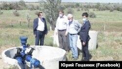 Российские власти Крыма на месте сооружения водовода от Ивановского водозабора для обеспечения потребностей Симферополя в воде