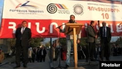 Armenia - A senior member of the Prosperous Armenia Party addresses an opposition rally in Ararat, 3Oct2014.