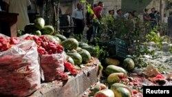 Сирия - овощной рынок в Алеппо после бомбежки, 31 июля 2013 г.