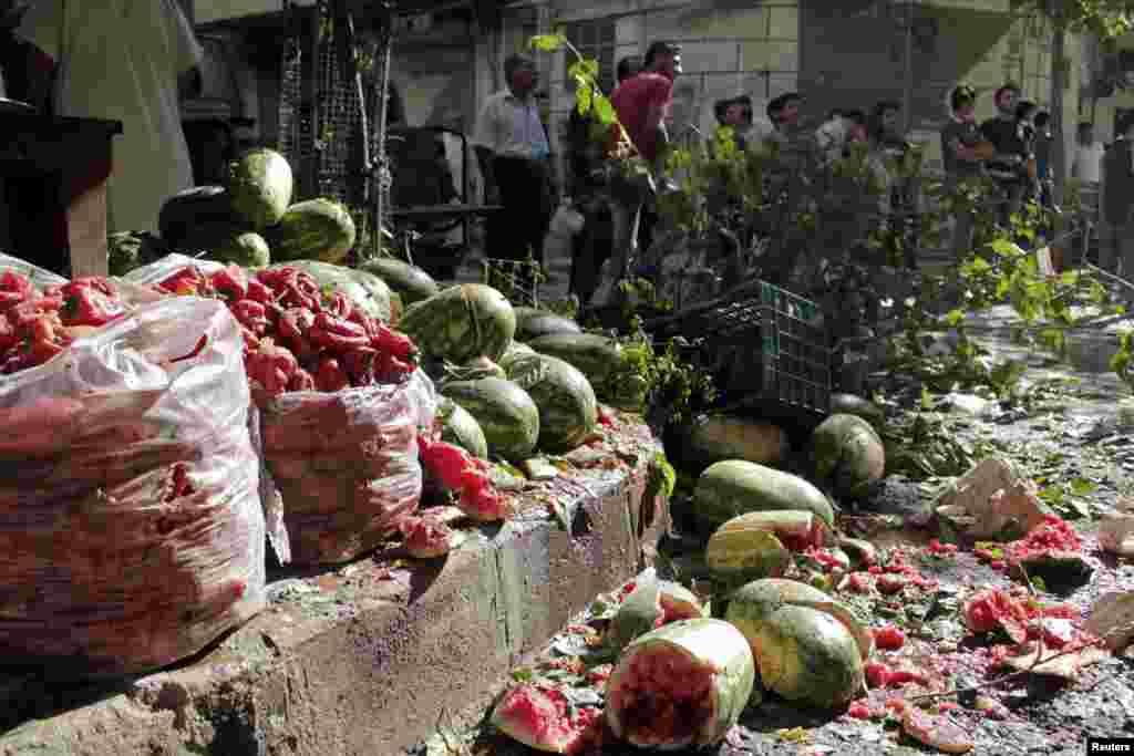 Торговые ряды в Алеппо после серии атак