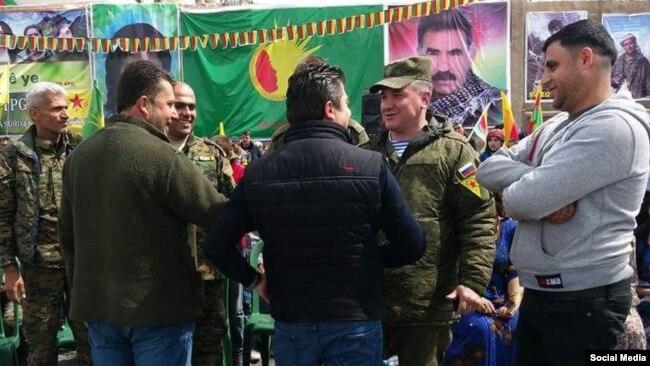 Türkiyə mətbuatı YPG qol nişanları taxan Rusiya hərbçilərindən yazır