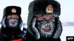 Китайские военизированные полицейские тренируются на границе с Россией, 2016 год