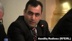 R.Ağayev