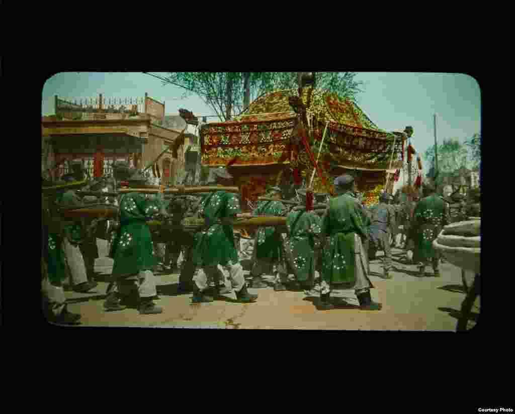 Похоронна процесія в Пекіні, Китай