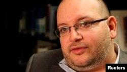 جیسون رضائیان، خبرنگار واشینگتن پست، از تیرماه سال گذشته به اتهام «جاسوسی» و «اقدام علیه امنیت ملی» در بازداشت به سر میبرد.