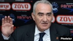 Armenia - Galust Sahakian, a deputy chairman of the ruling Republican Party, at a news conference in Yerevan, 16Jan2013.