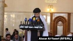 مقتدى الصدر يلقي خطبة صلاة الجمعة في جامع الكوفة