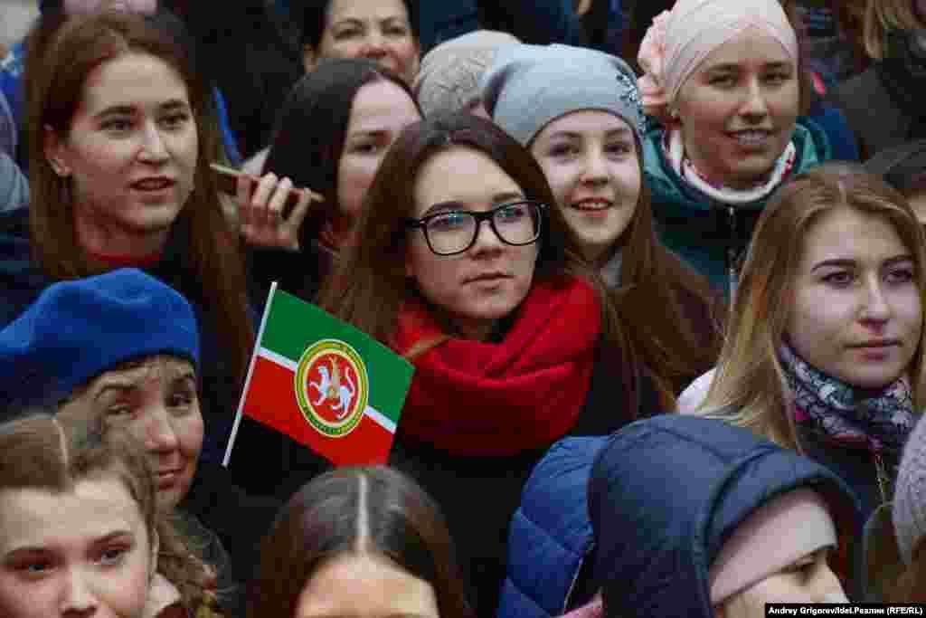 В день рождения татарского поэта Габдуллы Тукая в Казани прошел концерт и подведение итогов молодежной акции «Мин татарча сөйләшәм!» («Я говорю на татарском!»).