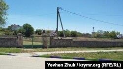 Вход на караимское кладбище со стороны улицы Пожарова