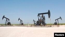 نمایی از یک میدان نفتی سوریه در استان حسکه قبل از آغاز جنگ داخلی این کشور