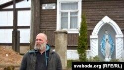 Фёдар Міхееў на фоне «ўласнай» вуліцы Касьцюшкі