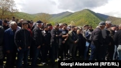 По итогам схода было заявлено, что большинство панкисцев выразили сомнение в целесообразности проведения диалога по поводу строительства ГЭС