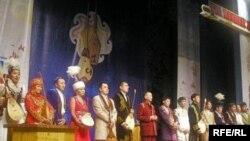 Ақындар айтысқа жиналды. Алматы, 21 наурыз 2010 жыл.