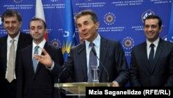 После 15-минутной встречи со своими соратниками Иванишвили вышел к журналистам