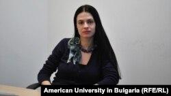 Доц. д-р Емилия Занкина беше зам.-ректор на Американския университет в България от юли 2016 г. до началото на тази година
