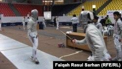 مشهد من مباريات البطولة العربية للمبارزة