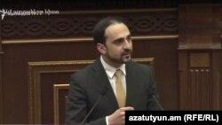 Вице-премьер, комендант чрезвычайного положения Тигран Авинян (архив)